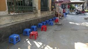 Petite restauration de trottoir au Vietnam